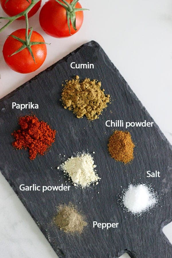 Homemade Burrito Spice Mix (or taco seasoning) - the perfect blend of spices to make your favourite Mexican meal in minutes! Perfect for beef burritos, nachos, chicken strips for tacos, refried beans or anything Mexican! | thekiwicountrygirl.com