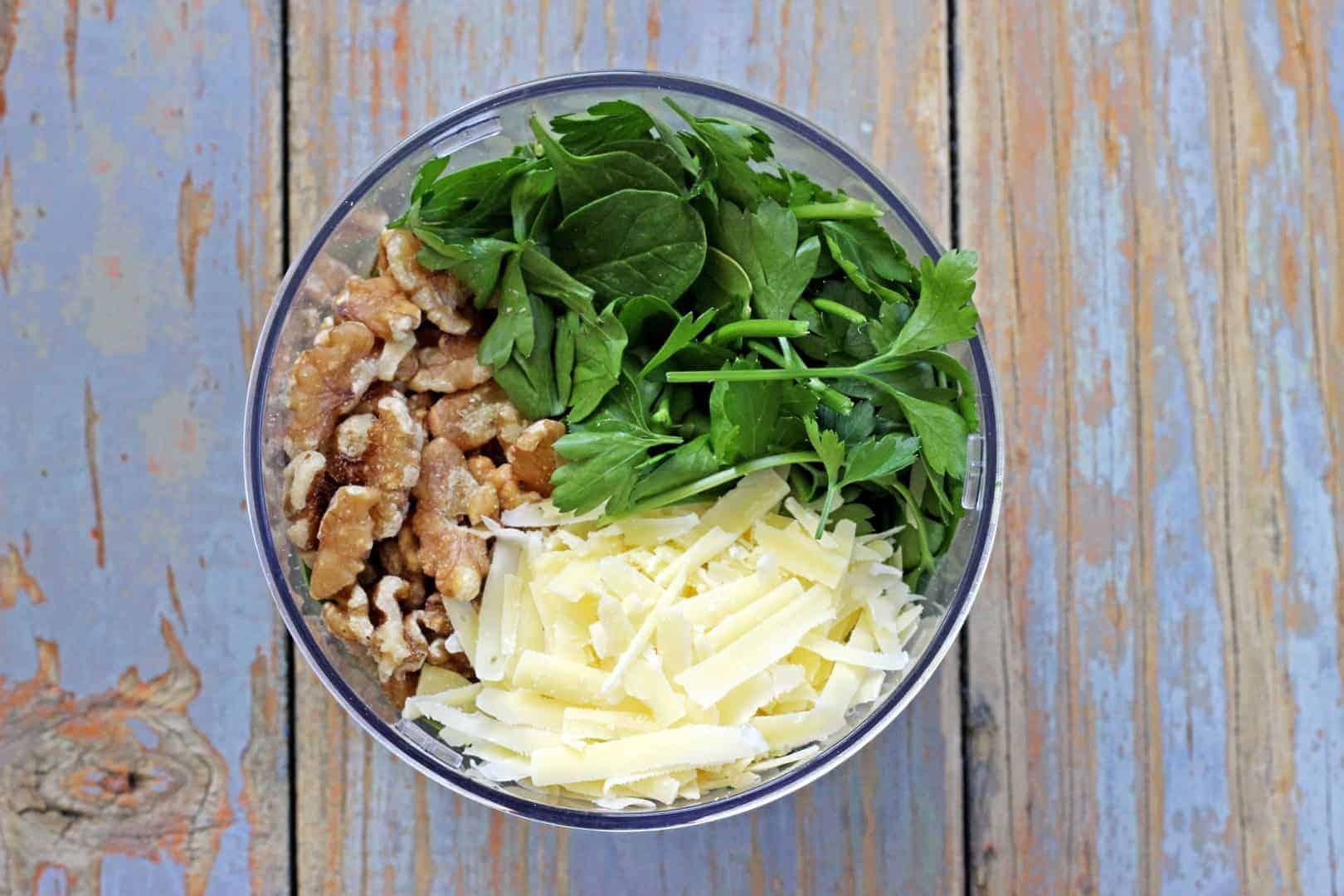 Spinach & Walnut Pesto (1)