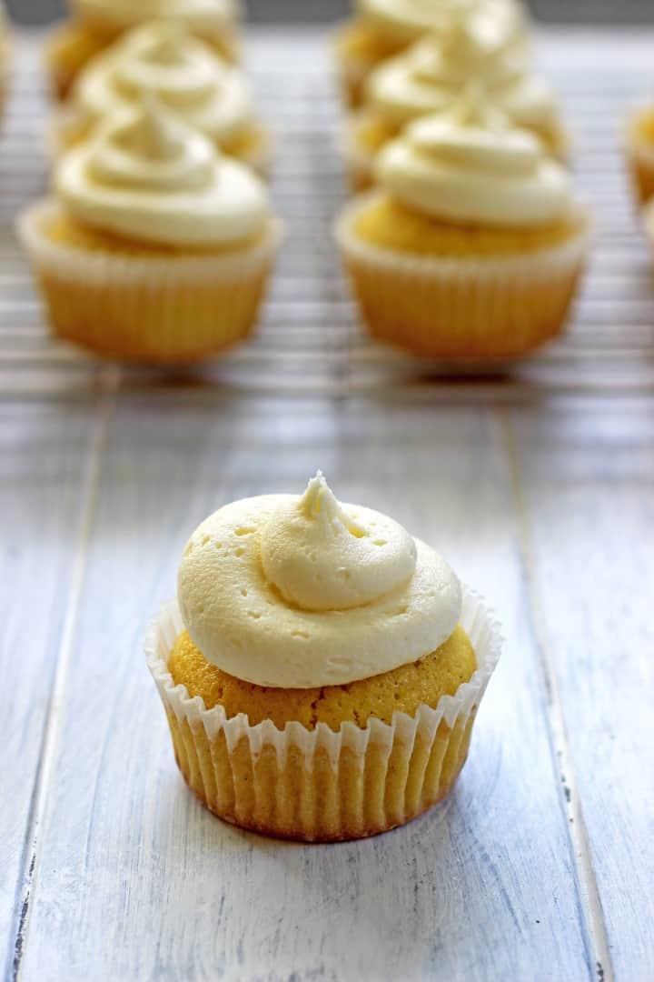 Vanilla Cupcakes (4)