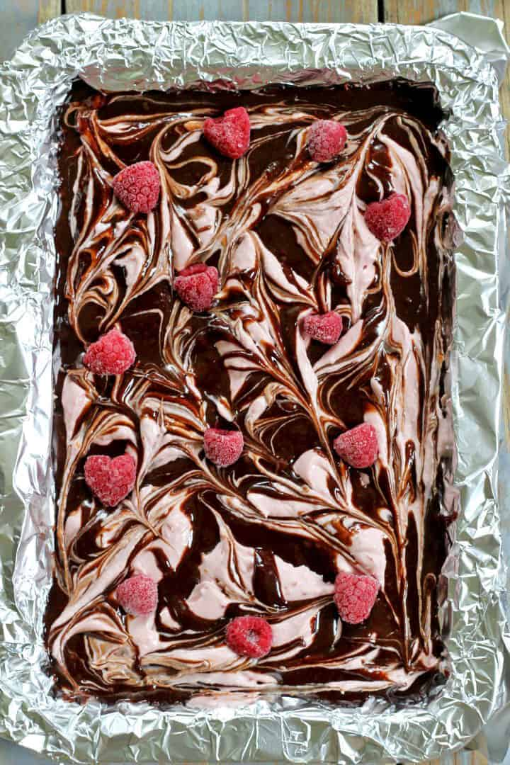 Easy gooey raspberry cheesecake brownies...yum!