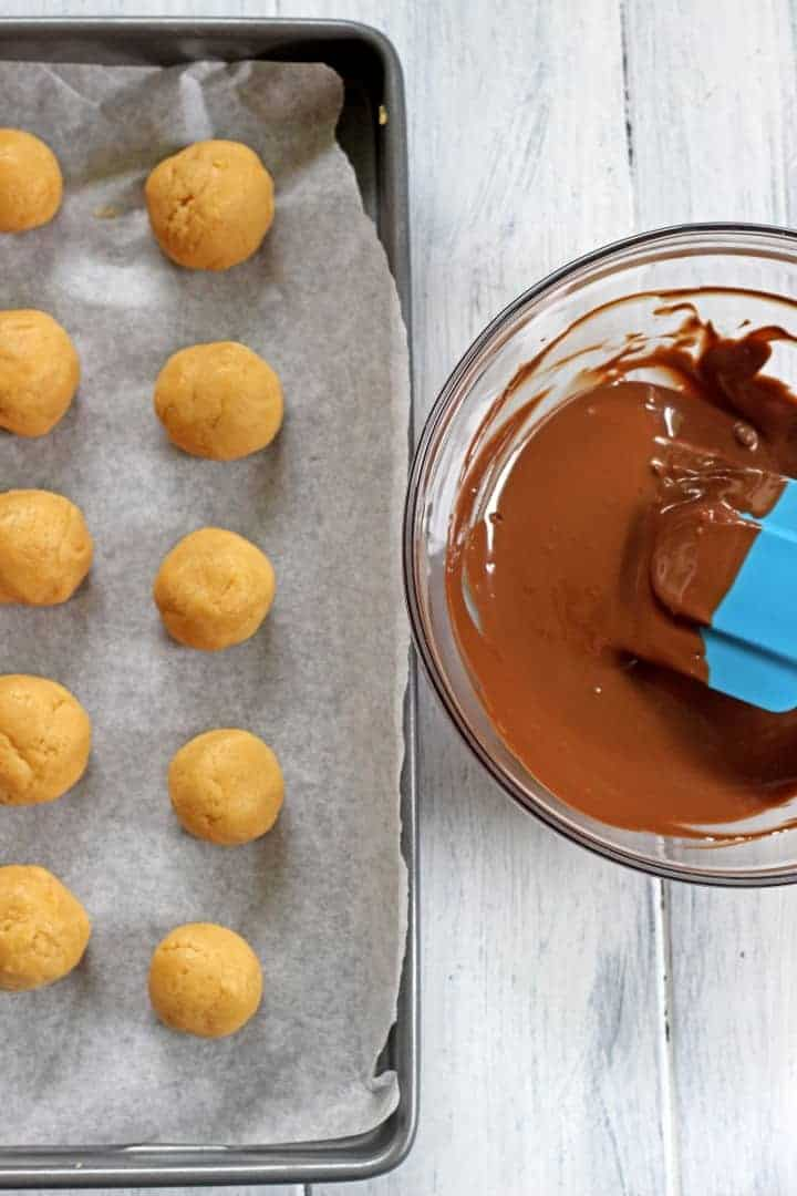 Smooth, creamy & perfect peanut butter cheesecake truffles