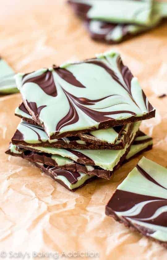 Easy-Mint-Chocolate-Bark