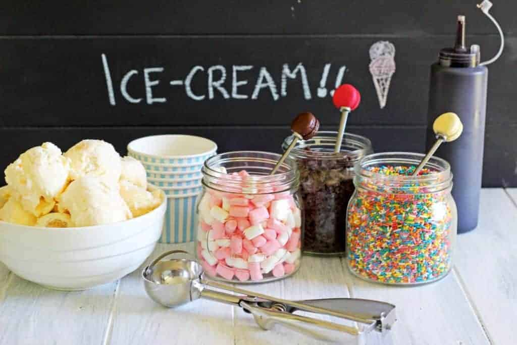 How to set up an ice cream sundae bar at home. Perfect for weddings, birthday parties or just because!