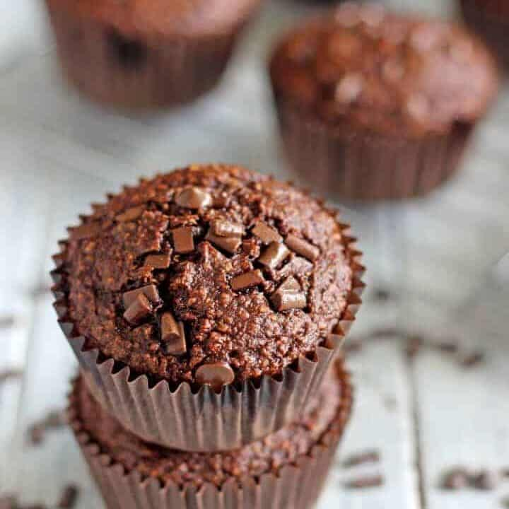 The easiest muffins in the world - 5 minutes prep and a blender is all it takes to make these healthy chocolate banana blender muffins!
