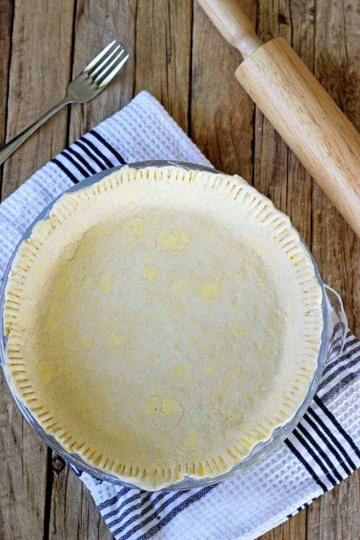 Homemade all butter pie crust with step by step instructions and photos - when you break it down, it really is as easy as pie!