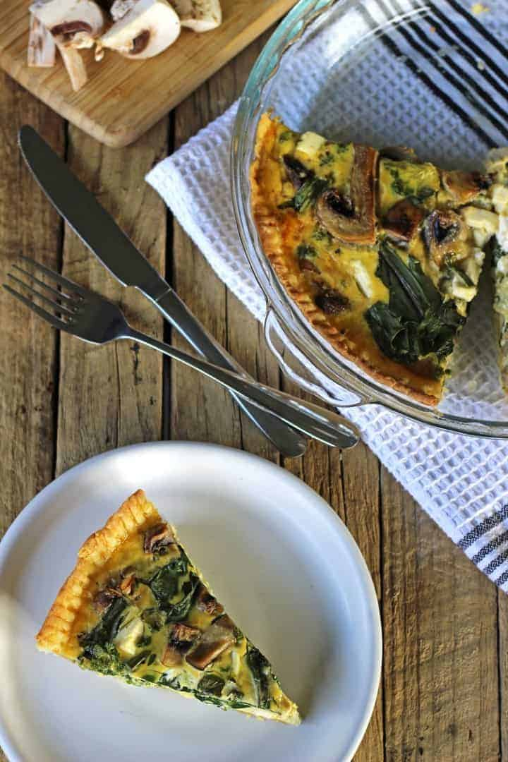Make this easy cheesy spinach, mushroom & feta quiche today for breakfast, lunch or dinner! | Recipe at thekiwicountrygirl.com