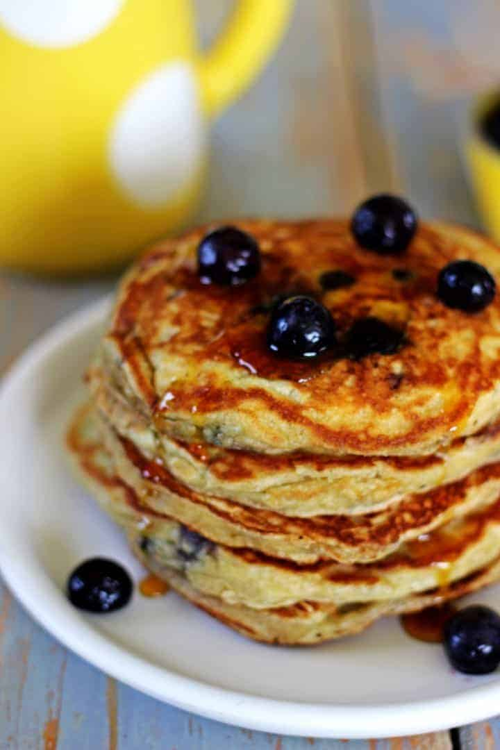 Best Ever Fluffy Blueberry Buttermilk Pancakes | The Kiwi ...