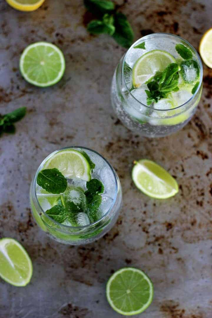 My version of a classic mojito - my all time favourite cocktail, perfect for summer, holidays or honeymoons! | recipe at thekiwicountrygirl.com