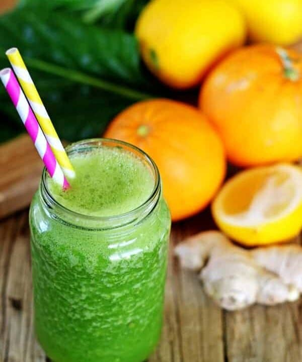 Beat the winter ills & chills with this cold fighting citrus green smoothie - oranges, lemon, ginger, pineapple & spinach make a delicious healthy smoothie   thekiwicountrygirl.com