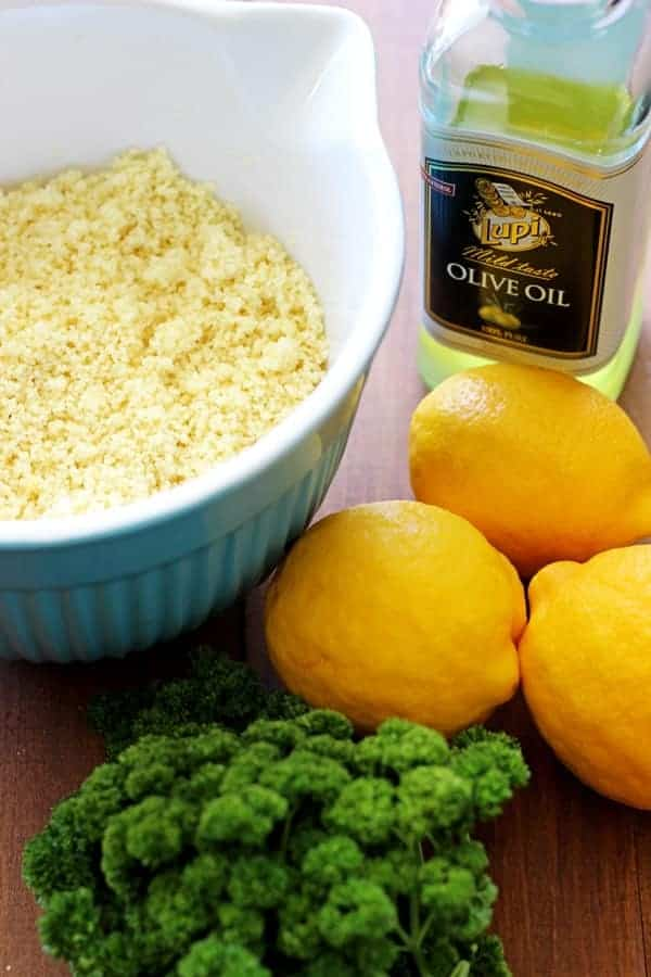 Lemon & parsley couscous salad - the perfect blend of fast and fresh with all the best spring flavours! Perfect for spring picnics! | thekiwicountrygirl.com