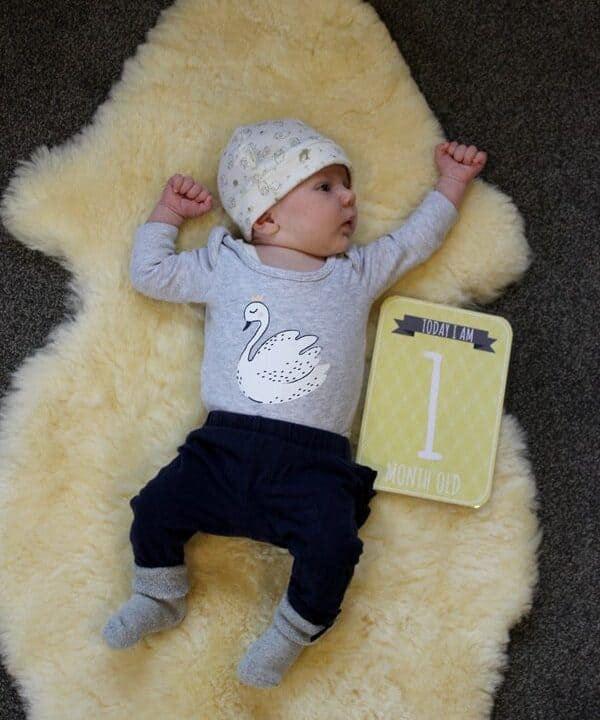 Sadie - 1 month. An update on our new baby girl and what life has been like for her first month | thekiwicountrygirl.com