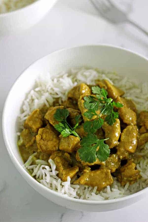 Upping our kitchen curry game with homemade yellow curry paste - throw all ingredients into a food processor and be an instant curry master! | thekiwicountrygirl.com