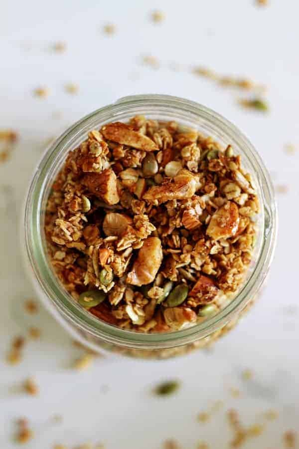 Healthy homemade granola - a simple recipe to make your own healthy granola from scratch. Cheap to make, delicious and fully customisable! | thekiwicountrygirl.com
