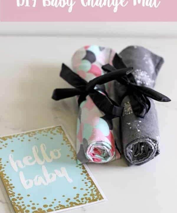 How to make a simple baby change mat - if you can sew a straight line, you can make this portable baby change mat - perfect for in the nappy/diaper bag or as a baby shower gift!   thekiwicountrygirl.com