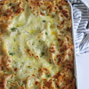 My favourite easy lasagne recipe - step by step photos and instructions to help you make the perfect lasagne and impress your dinner guests! It's a family favourite!   thekiwicountrygirl.com
