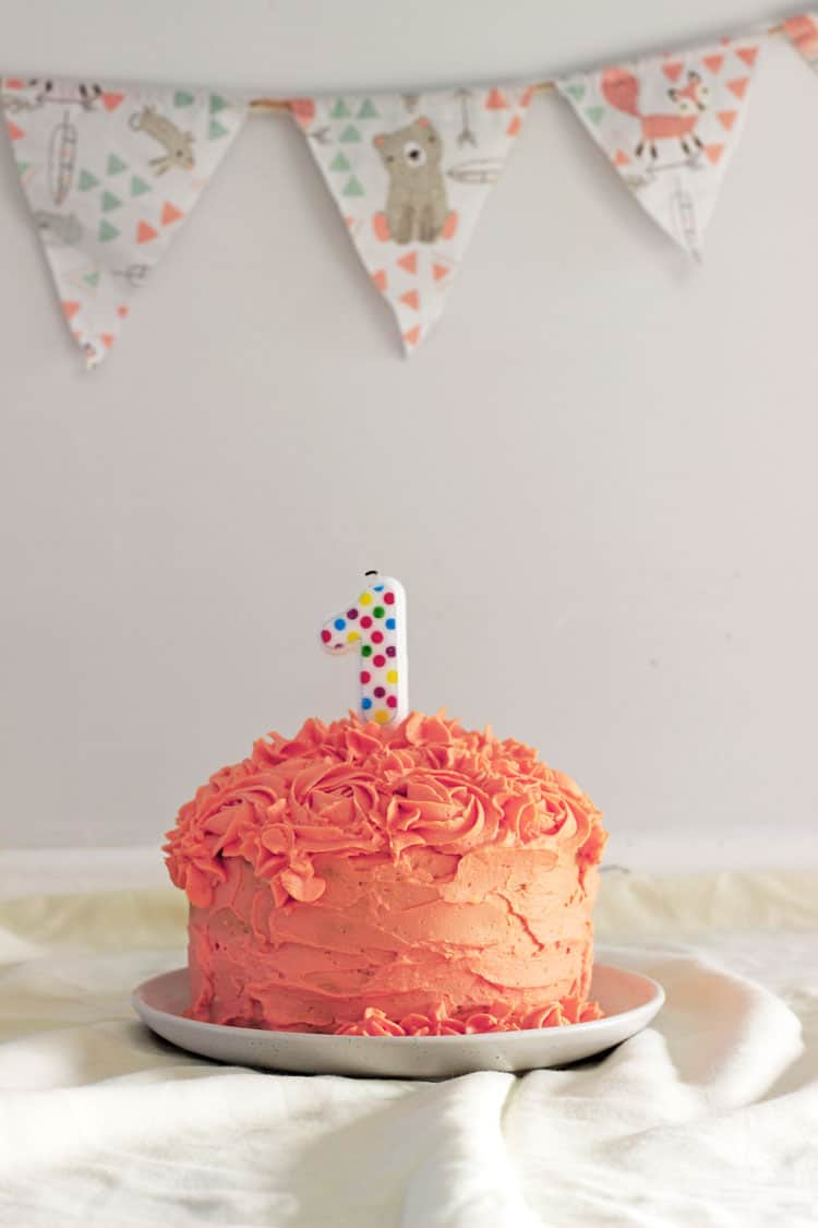 Groovy 10 Tips For An Epic 1St Birthday Cake Smash The Kiwi Country Girl Funny Birthday Cards Online Elaedamsfinfo