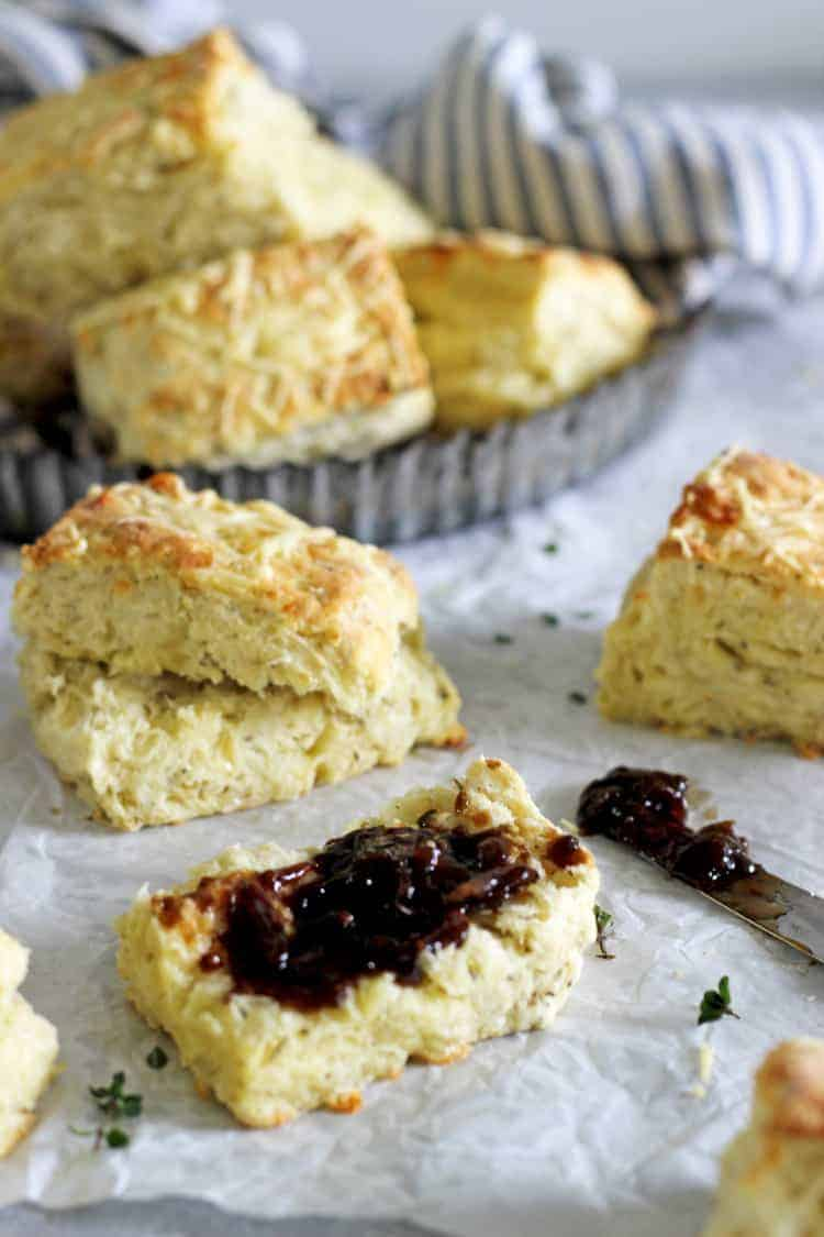 Easy cheese scones with onion marmalade on a table